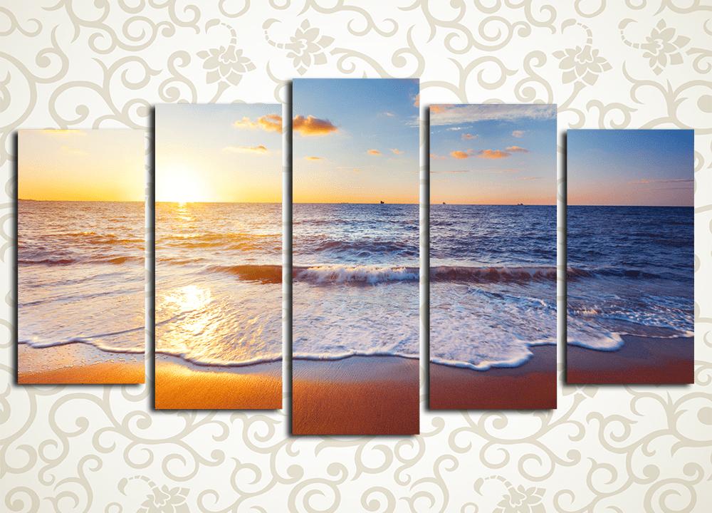 Модульная картина СпокойствиеМодульная картина «Спокойствие» изображает пенный прибой на песчаном пляже во время заката. Это полотно подарит тепло тропического курорта и прохладу морского бриза в любой комнате – прихожей, гостиной, спальне, а также в кухне и в офисном помещении. Картина выдержана в спокойных и насыщенных тонах. Она состоит из 5 вертикальных модулей, общая компоновка картины – горизонтальная. Строгий контроль качества сборки каждого сегмента предотвращает возможность обнаружения дефекта или брака. Прочный сосновый каркас обеспечивает надежность конструкции каждого модуля.<br>